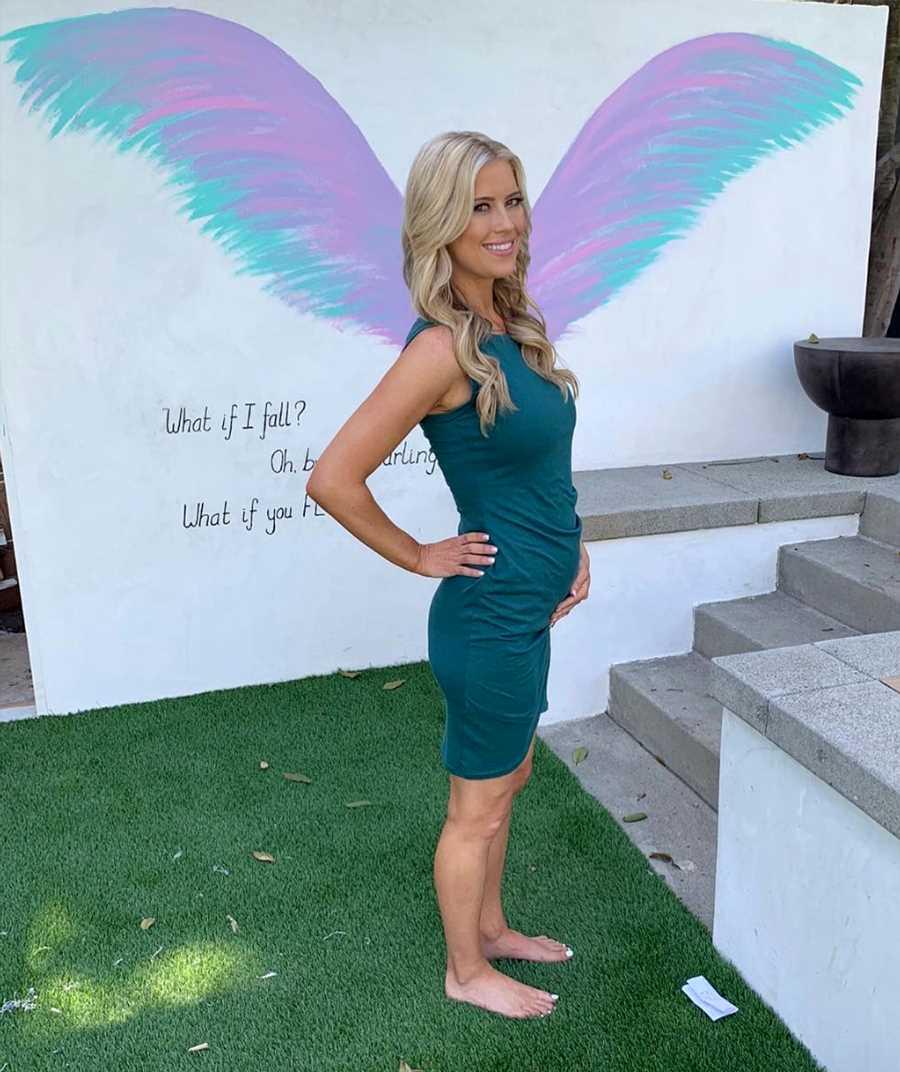 Flip Or Flops Christina El Moussa shows off in mini dress